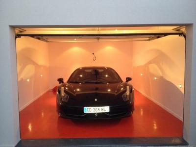 Garage FERRARI Saint-Tropez